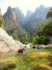Sejour-canyoning-familial-2-225x300